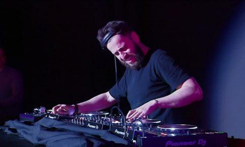 Comment DEVENIR DJ DEBUTANT (petit budget)